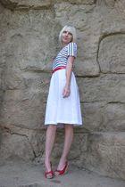 white VLP Petites dress - red Charlotte Ronson shoes