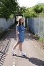 Blue-denim-vintage-dress-white-faux-leather-motel-rocks-belt