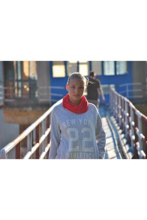red unbranded scarf - sky blue Terranova jeans - silver fishbone hoodie