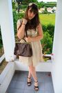 Beige-vintage-dress-brown-vintage-bag-black-gold-bijou-brigitte-white-ta