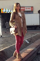 bronze Stradivarius coat - tawny chicnovacom bag - ruby red reserved pants