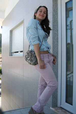 blue pull&bear shirt - gray pull&bear purse - pink Bershka pants - beige unknown