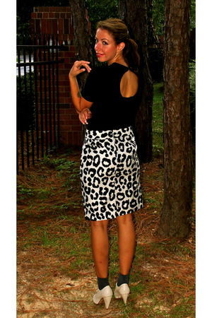 black H&M top - black Loft skirt - blue Urban Outfitters socks - beige seychelle
