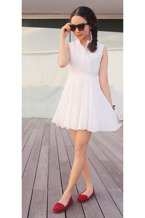 white white dress Korean Lolita dress - black Forever 21 sunglasses