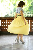 beige Topshop shoes - yellow pleated vintage skirt