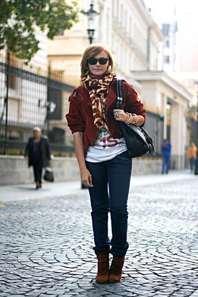 brick red suede vintage jacket - tawny Zara boots - navy Levis jeans
