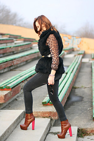 brown ankle Topshop boots - black faux fur Koton vest