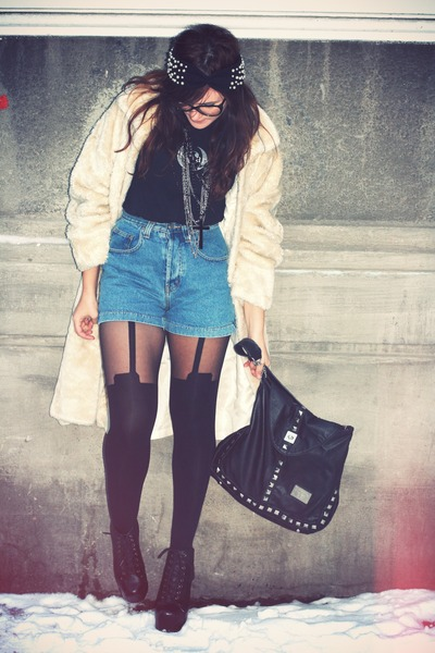 off white faux fur vintage coat - blue denim Levis shorts - black asos stockings