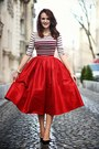 Black-pointy-zara-shoes-red-midi-choies-skirt-crimson-cropped-bershka-top