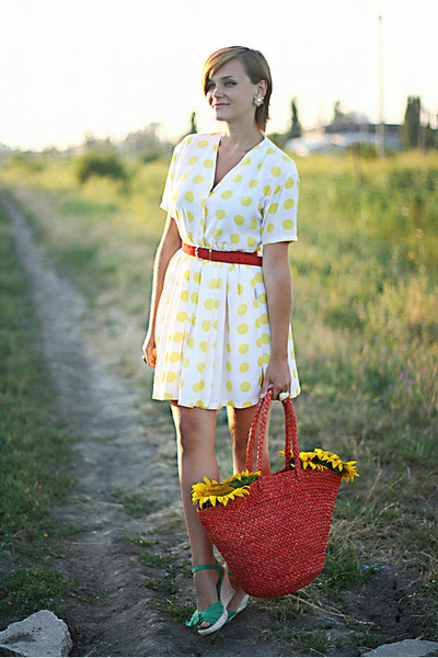 yellow polka dots thrifted dress