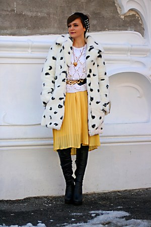 yellow pleated vintage skirt - white animal print Topshop coat