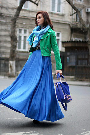 blue gold detailing OASAP bag - green cropped H&M jacket