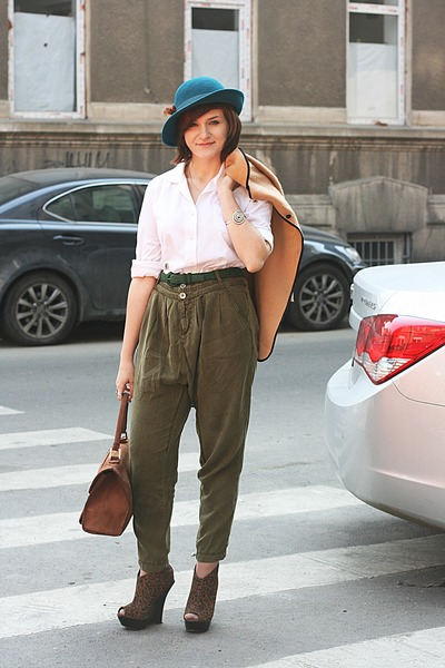 teal vintage hat - light brown vintage cape - olive green Stradivarius pants