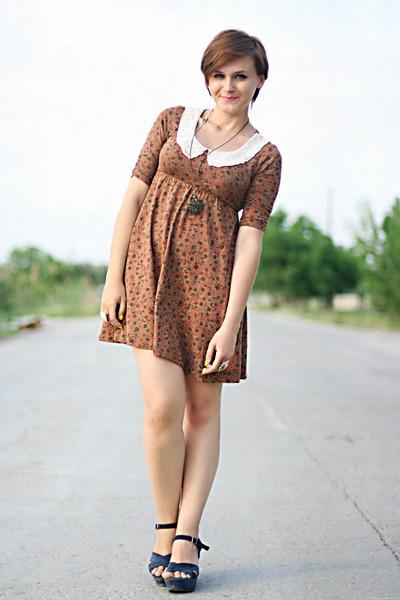 brown Stradivarius dress