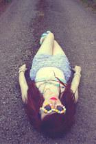 Megan Jane Jewellery necklace - romwe shorts - Chicwish sunglasses