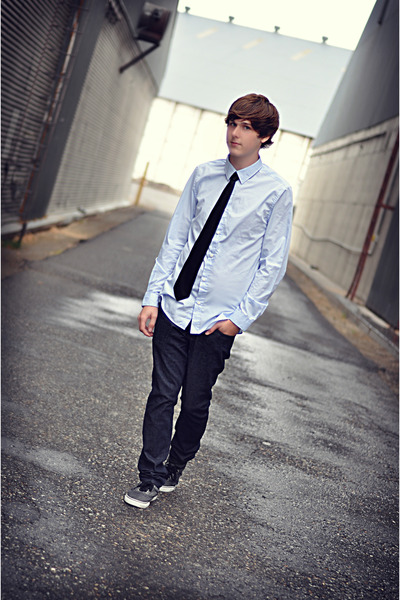 Vans shoes - Bullhead jeans - H&M shirt - black skinnie tie