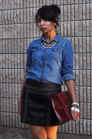 silver diamond-gold necklace - blue chambray-jean shirt - brick red purse