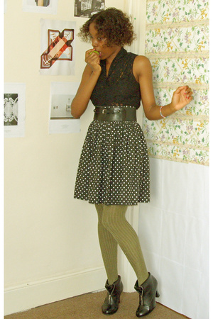 top - skirt - belt - tights - shoes