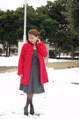 Black-thrifted-vintage-dress-ruby-red-h-m-coat-black-ichioku-top