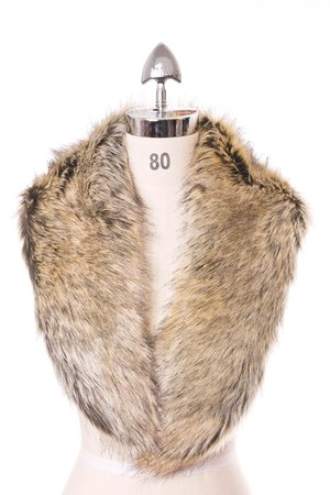 faux fur Chicwish accessories