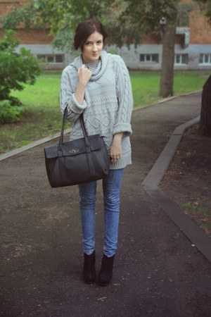 heather gray  sweater - blue  jeans - black  bag - black  wedges