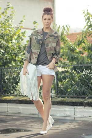 army green thrifted vintage jacket - white Zara bag - white Bershka shorts