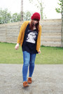 Light-brown-minnetonka-shoes-blue-h-m-jeans-ruby-red-kleiderkreisel-hat