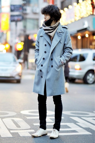 silver Vandalist coat - neutral Burberry scarf