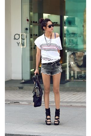 white Forever21 t-shirt - black Aldo shoes - buffalo express bag