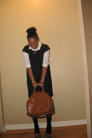 brown Bag purse - camel tassels Shoes shoes - black pockets Gap dress