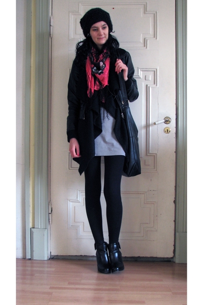 H&M jacket - H&M scarf - GINA TRICOT dress - DinSko shoes - H&M hat