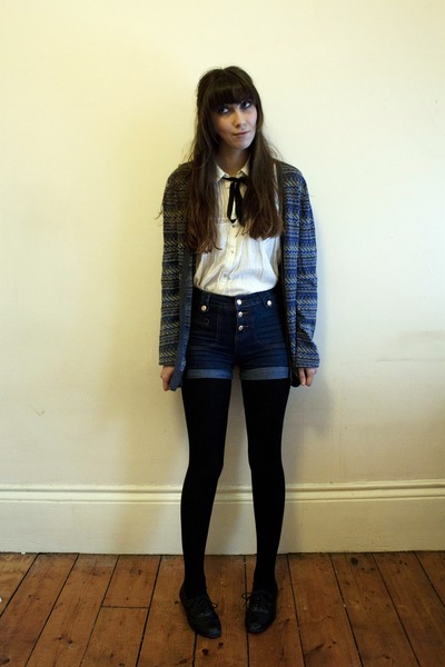 Zara blouse - Primark shoes - Primark shorts - H&M cardigan