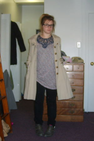 gray La Redoute boots - black Kiabi jeans - beige Primark vest - white Zara blou