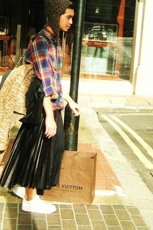 Topman shirt - Comme des Garcons skirt - Chanel bag - Eairth hat