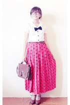 red maxi polkadot vintage skirt - dark brown leather vintage bag