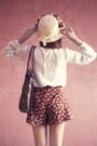 Ivory-up-shoes-magenta-clarabelle-hat-ivory-vintage-shirt