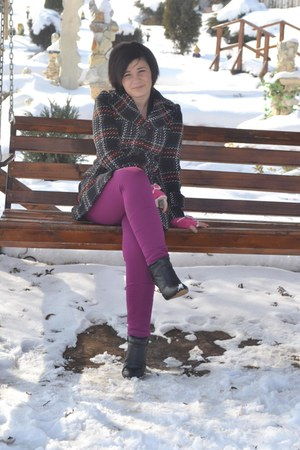 magenta raus leggings - black leather random brand boots