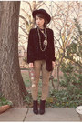 Black-nasty-gal-hat-camel-leopard-print-tripp-nyc-jeans