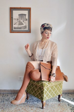 tawny H&M shorts - tan turban Zara scarf - tawny briefcase vintage bag