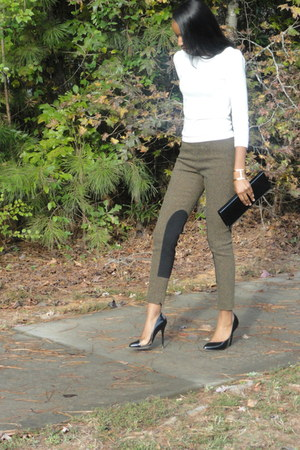 ivory sweater - black pumps - brown tweed pants - cuff gold bracelet