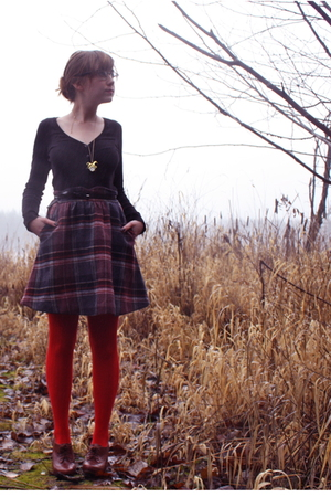 black H&amp;M sweater - black vintage skirt - red modcloth tights - brown seychelles