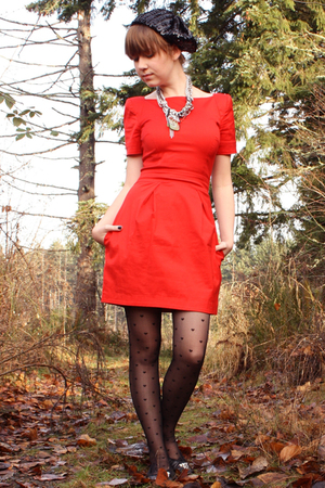 red French Connection dress - black Bona Drag shoes - black vintage hat - black 