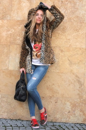 light brown animal print Sheinside coat - blue Bershka jeans