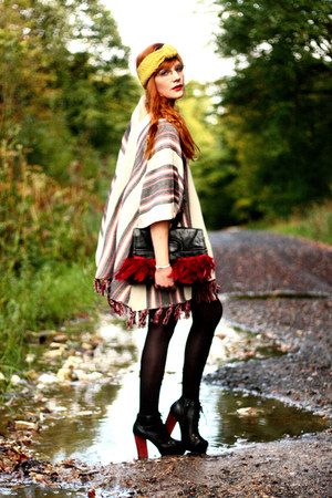 asos cape - vintage bag - romwe heels - asos accessories