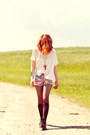Dr-martens-boots-romwe-tights-union-jack-chicwish-shorts-romwe-necklace