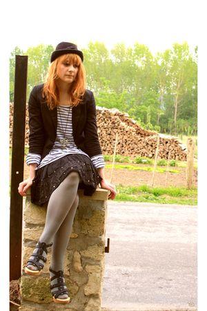 black shoes - black vintage hat - black H&M jacket - black Bershka skirt