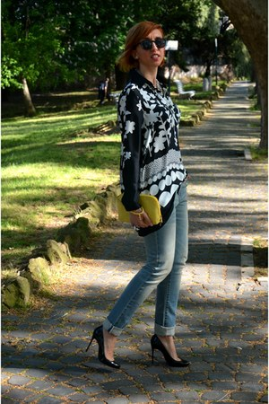 Levis jeans - Nara Camicie shirt - H&amp;M sunglasses - Christian Louboutin heels