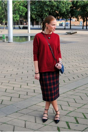 Zara skirt - Zara shoes - Zara sweater - Bimba & Lola bag