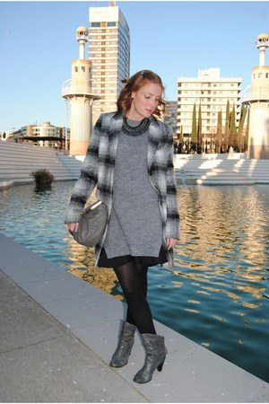 Zara coat - Nous boots - Zara sweater - Nice Thing bag - Zara necklace