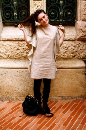 beige Paul and Joe Sister dress - black Zara boots